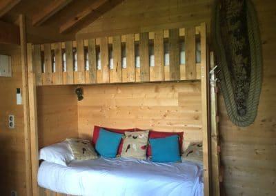 cabane lits superposés coin séjour